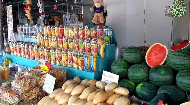 сколько денег брать в таиланд: шейки и фрукты